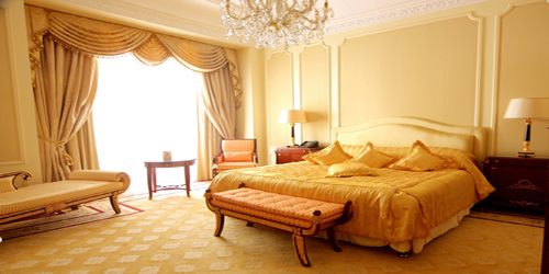 luxury-hotel-room-wide